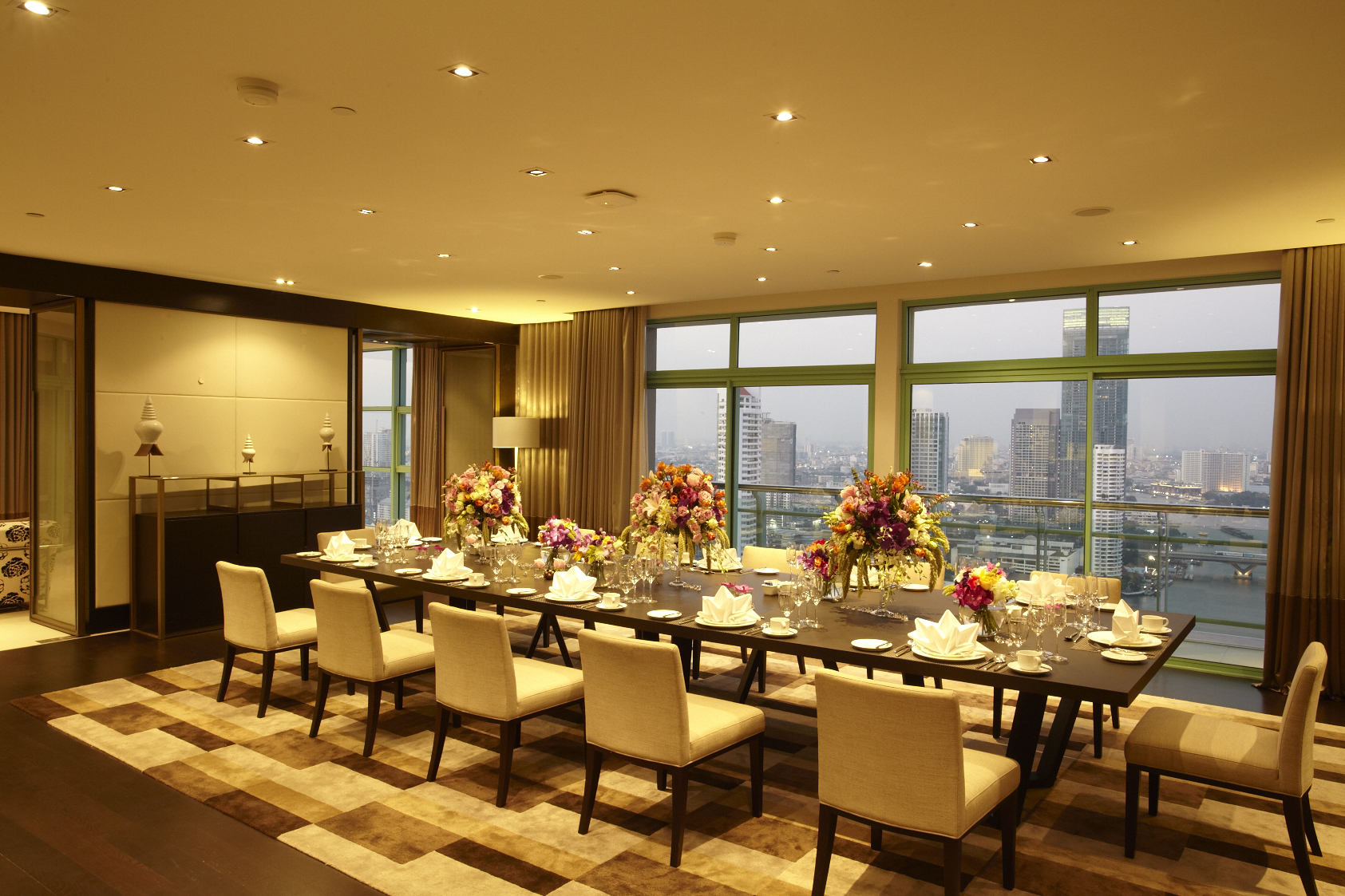 Chatrium Hotel Riverside Bangkok Dining at Presidential Suite