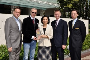 Chatrium Hotels and Residences Wins 2013 Agoda's Gold Circle Award