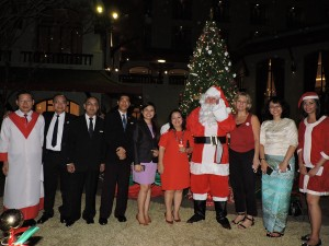 CHATRIUM HOTEL ROYAL LAKE YANGON CELEBRATES  CHRISTMAS LIGHT-UP & DONATION AND  JOINT CHAMBERS NETWORKING