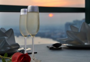 ROMANTIC VALENTINE'S DAY DINNER AT CHATRIUM HOTELS AND RESIDENCES