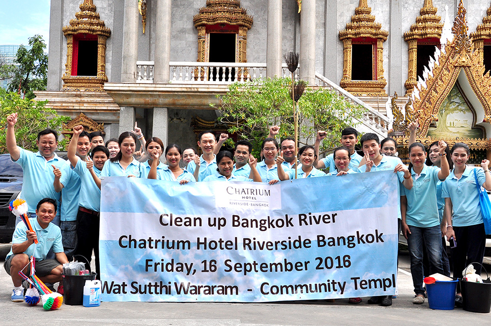 Chatrium Hotel Riverside Bangkok Staff at an Environment Campaign