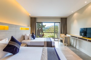 Deluxe Twin Room at Chatrium Golf Resort